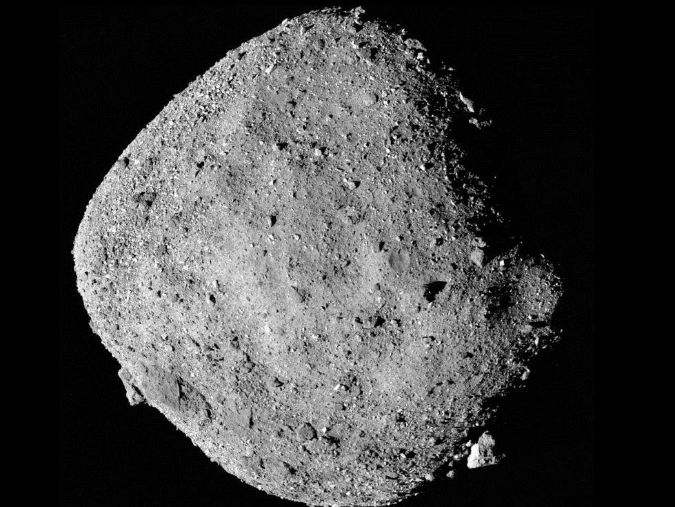 Záběry planetky Bennu pořízené sondou Osiris-Rex