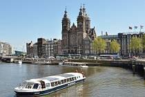 Kostel St. Nicolaaskerk v Amsterdamu.