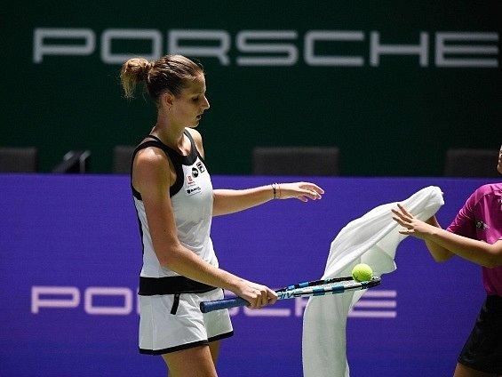 Karolína Plíšková během duelu se Světlanou Kuzněcovovou.