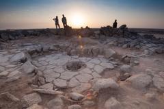 Naleziště v Jordánsku, kde chléb objevili. Uprostřed kruhové ohniště