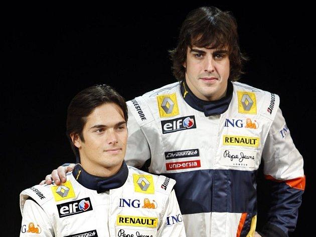 V kokpitu monopostů Renault bude sedět v příštím ročníku mistrovství světa formule 1 stávající dvojice pilotů, která letos dovedla francouzskou stáj ke čtvrtému místu v Poháru konstruktérů - Fernando Alonso (vpravo) a Nelson Piquet junior
