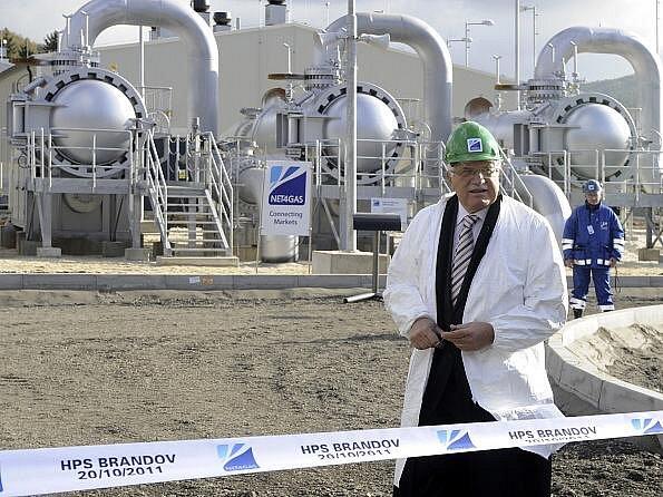 Prezident Václav Klaus zavítal 20. října při návštěvě Ústeckého kraje do obce Brandov na Mostecku, kde se zúčastnil slavnostního spuštění hraniční předávací stanice plynu.