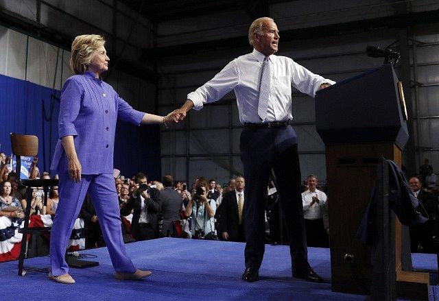 Joe Biden a Hillary Clintonová