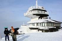 Polská observatoř na Sněžce před havárií.