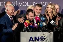 Sledování výsledků parlamentních voleb ve štábu ANO, 21. října v Praze. Babis