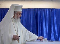 Pro jsou hlavně představitelé církve. Patriarcha Daniel, hlava rumunské pravoslavné církve.