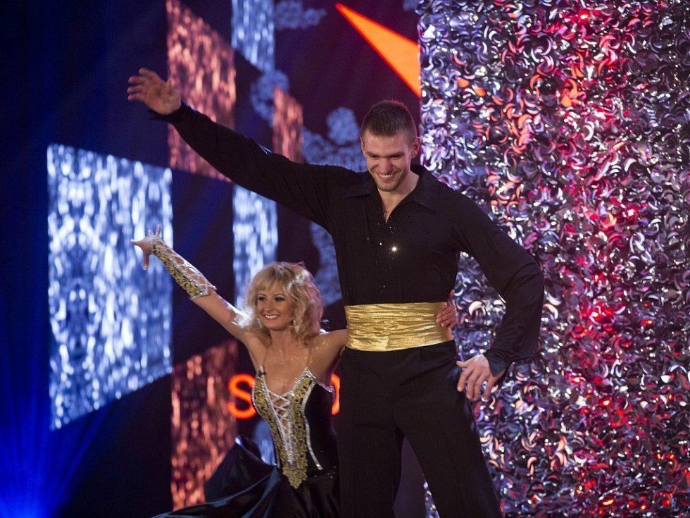 Skifař Ondřej Synek předvedl na Sportovci roku i své taneční umění.