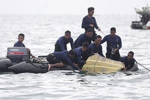 Pátrání po troskách letounu indonéské spolenčosti Sriwijaya Air