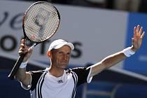 Ruský tenista Nikolaj Davyděnko slaví postup do čtvrtfinále Australian Open.