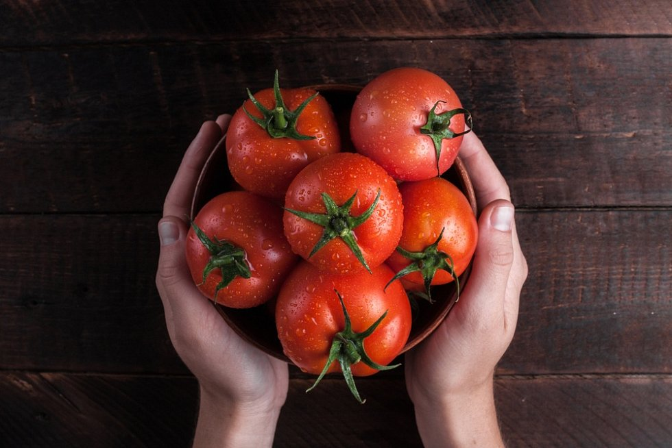 Rajčata jsou oblíbenou surovinou v každé kuchyni.