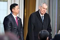 Český prezident Miloš Zeman na české ambasádě v Pekingu, kde se zúčastnil 25. dubna 2019 slavnostní recepce na oslavu výročí 70 let od uzavření česko-čínských diplomatických styků