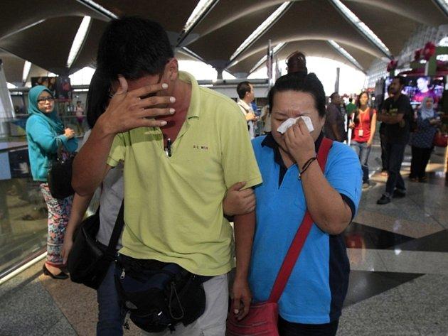 Podle prvních informací spadlo letadlo na cestě z Kuala Lumpuru do Pekingu zřejmě u břehů Vietnamu.