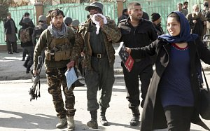 Sebevražedný bombový útok v Kábulu. Ilustrační foto