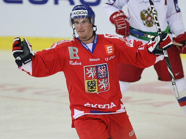 Útočník Roman Červenka slaví gól proti Rusku.