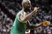 Kevin Garnett v dresu Bostonu Celtics