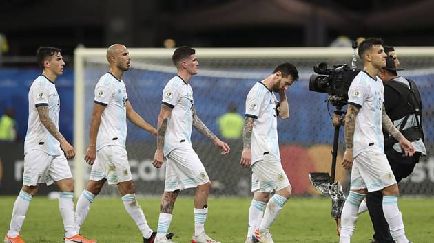 Zklamaní fotbalisté Argentiny.