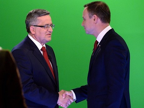 Bronislaw Komorowski (vlevo) a Andrzej Duda.