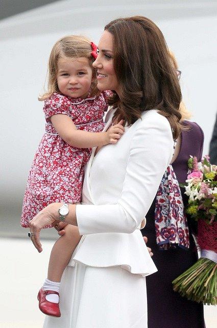 Vévodkyně Kate s malou Charlotte