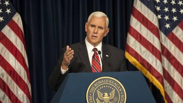Americký viceprezident za republikány Mike Pence.