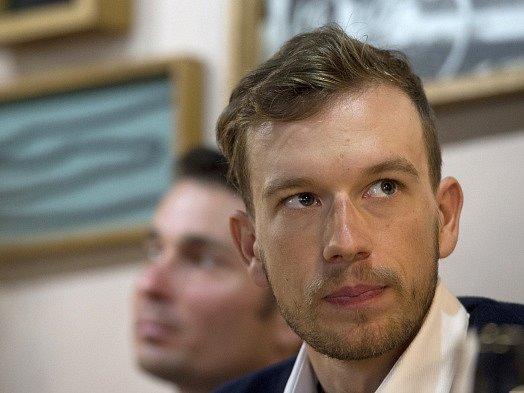 Leopold König na tiskové konferenci knominaci českých cyklistů, kteří budou startovat na MS vKataru.