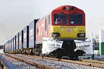 Do Londýna dnes poprvé přijel nákladní vlak, který přímo spojuje Čínu s Británií.