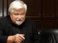 Bývalý disident, český premiér a dlouholetý senátor Petr Pithart.
