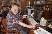 """""""Každý národ si musí stát velice pevně na svém,"""" tvrdí Jan Petránek, dlouholetý rozhlasový zpravodaj a komentátor."""