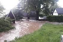 Povodeň po bouřce v Pusté Rybné