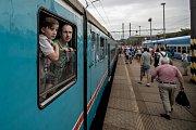 """V souvislosti s ukončením provozu elektrických jednotek 451/452 přezdívaných """"pantografy"""", """"lochnesky"""", """"emilky"""" nebo """"žabotlam(y)"""" se na nádraží Praha-Libeň 10. srpna vydala provozní muzejní jednotka Českých drah, která je deponována v Šumperku. Zároveň"""