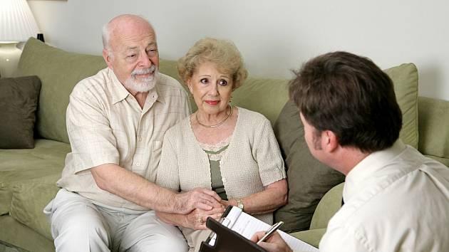 Šmejdi nejčastěji využívají důvěřivosti seniorů