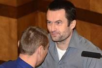 Michael Šváb odsouzený s dalšími šesti lidmi za únosy a vydírání podnikatelů, z nichž dva nepřežili, před odvolacím Vrchním soudem v Praze odmítl tvrzení obžaloby, že dal dohromady gang.