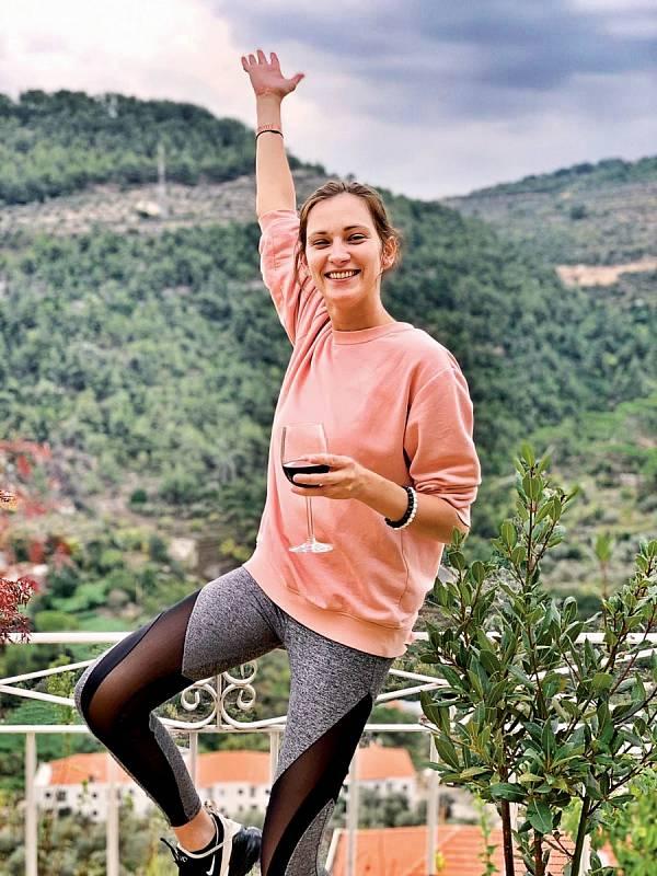 V Libanonu, který ji uchvátil, si užívala přírody a sportu.