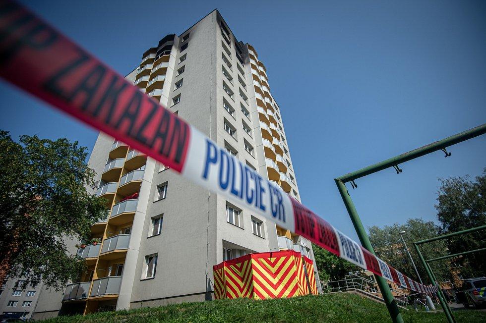 Požár byl úmyslně založený. Pachatele zatkla policie.