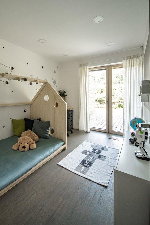 V přízemí jsou umístěny také dětské pokoje