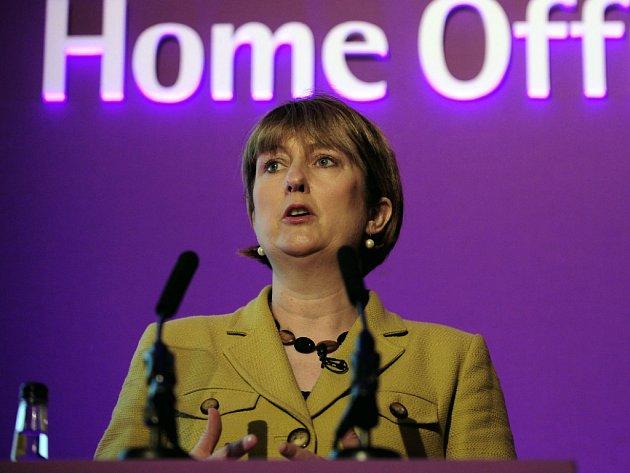 Britská ministryně vnitra Jacqui Smithová přišla s plánem deradikalizace islamistů.