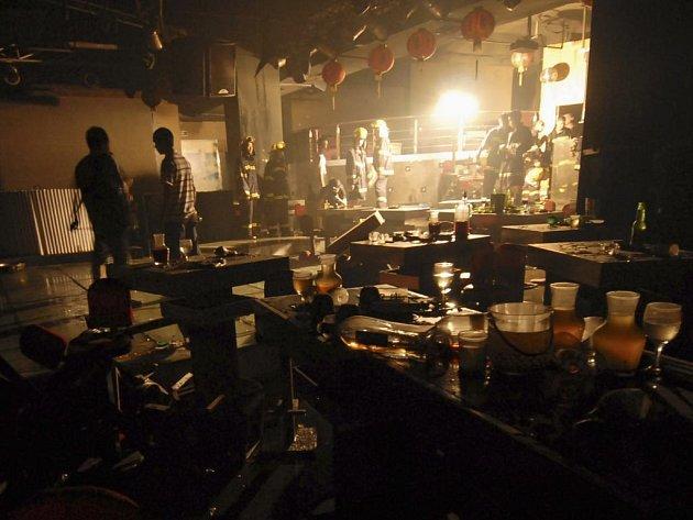 Při výbuchu v nočním klubu v Číně zemřelo 43 lidí.