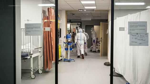 Lékařský personál v nemocnici MontLegia v belgickém Lutychu