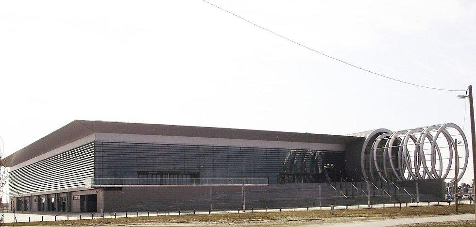 Hala Gradski vrt hostí především utkání v házené či basketbalu. Uvnitř se skrývá hned sedm hřišť, z nichž dvě jsou osazena tribunami pro diváky. Využita byla například během mistrovství světa v házené 2009.