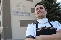 Kuchař domova Clementas v Mlékovicích na Kolínsku Pavel Štěpánek