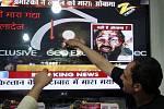 Afghánci sledují na kábulské ulici zprávy o dopadení Bin Ládina