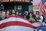 """""""Usáma bin Ládin je mrtev"""" je napsáno za Newyorčany, kteří 2. května na Times Square oslavovali smrt nejhledanějšího teroristy světa."""
