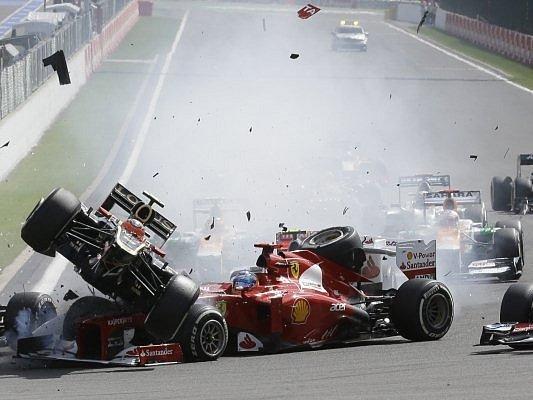 Velkou cenu Belgie okořenila nehoda hned v první zatáčce, která ovlivnila celý závod a zavinil ji Francouz Grosjean.