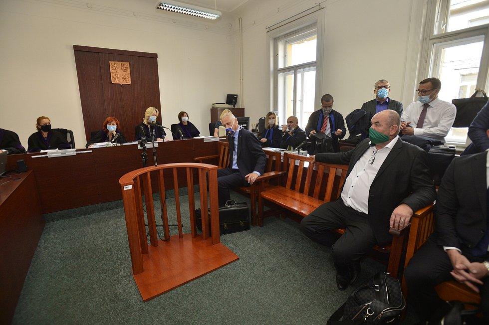 Ostře sledovaný soud ohledně údajných manipulací se sportovními dotacemi. Miroslav Pelta (vpravo).