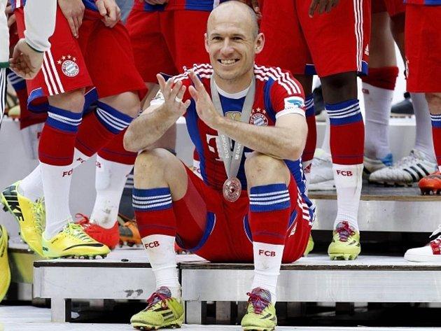 Získá Arjen Robben s Bayernem další trofej? Nebo mnichovské mašině překazí radost Dortmund?