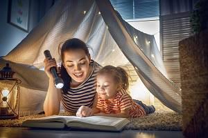 Čtení má celou řadu blahodárných vlivů na lidský mozek