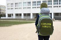 Po otevření škol by se měly dodržovat určitá pravidla. Premiér Andrej Babiš mluví o rozestupech mezi žáky.