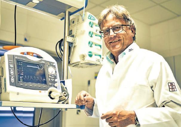 MUDr. Bc. Tomáš Fiala, MBA již devatenáctým rokem působí jako předseda představenstva strakonické nemocnice, kde strávil celý svůj profesní život