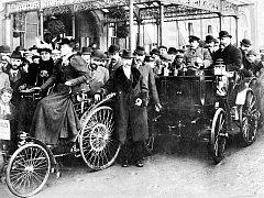 Automobily v roce 1896.