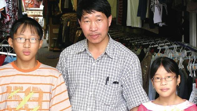 Duc Hien (Jan) Duong se dcerou Thuy Lins (Lucie) a synem Tung Anh (Tomášem)
