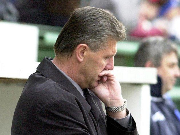 Zadumaný trenér Sparty Josef Chovanec.